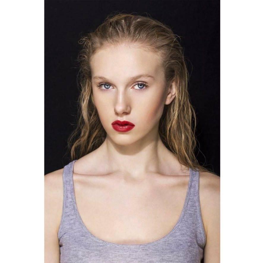 Konečný zoznam krásnych žien, (modeliek Natasha Azariy), ktoré budú prezentovať na módnej show, novú kolekciu šiat Natasha Azariy v Incheba expo Bratislava - Obrázok č. 21