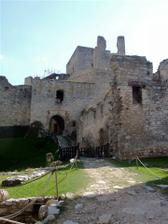 hrad Rabí je nádherné, romantické místo.. i když je to víceméně zřícenina, ale má své kouzlo :))