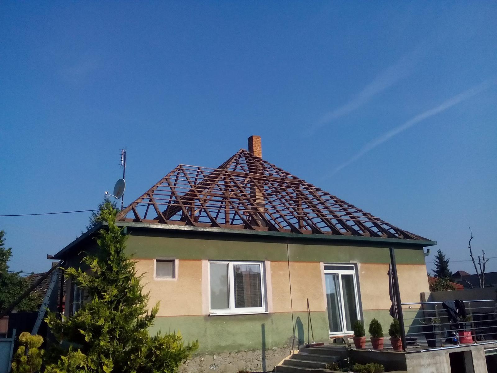 Premena nášho domu - Stará strecha ide dole