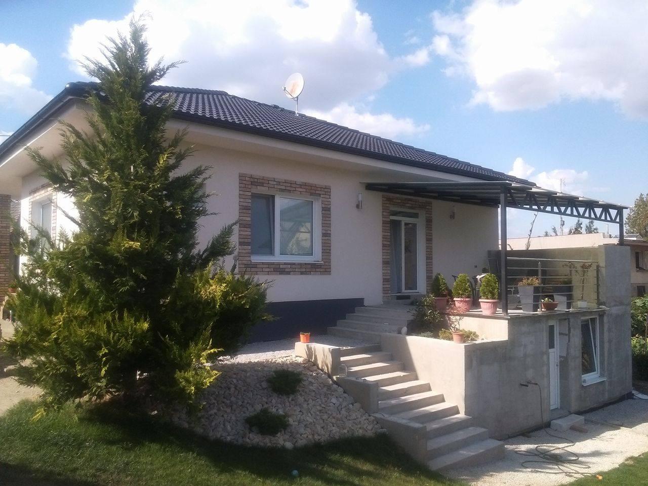 Premena nášho domu - Prístavba zatiaľ neomietnutá :(