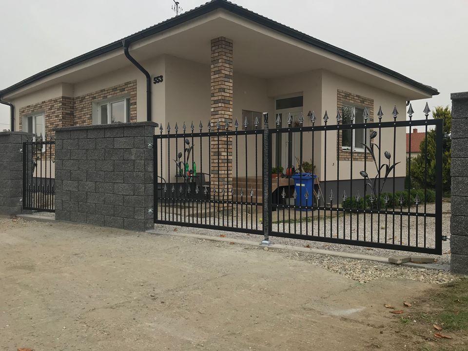 Premena nášho domu - Už s novou bránou :)