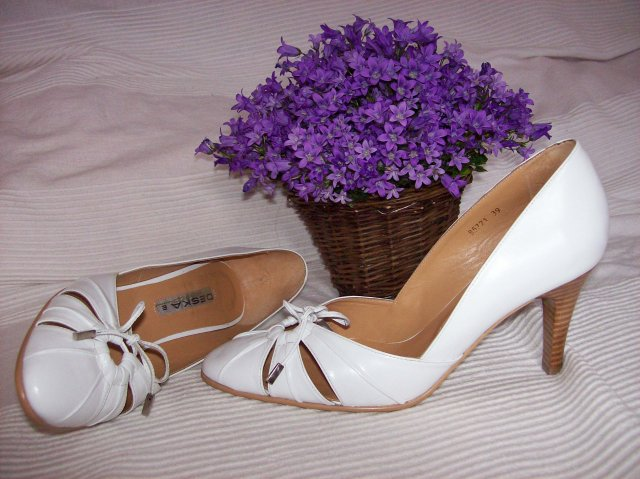 Lucia a David - 2.5.2009 - moje topánočky - dúfam, že v nich vydržím :-)