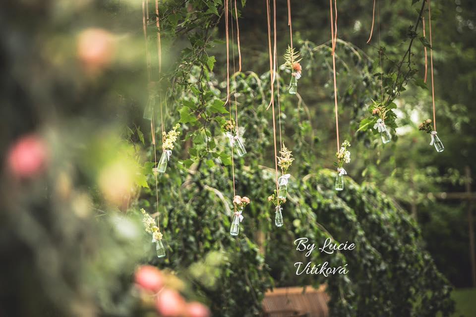 Červená svatební kytice - Obrázek č. 8