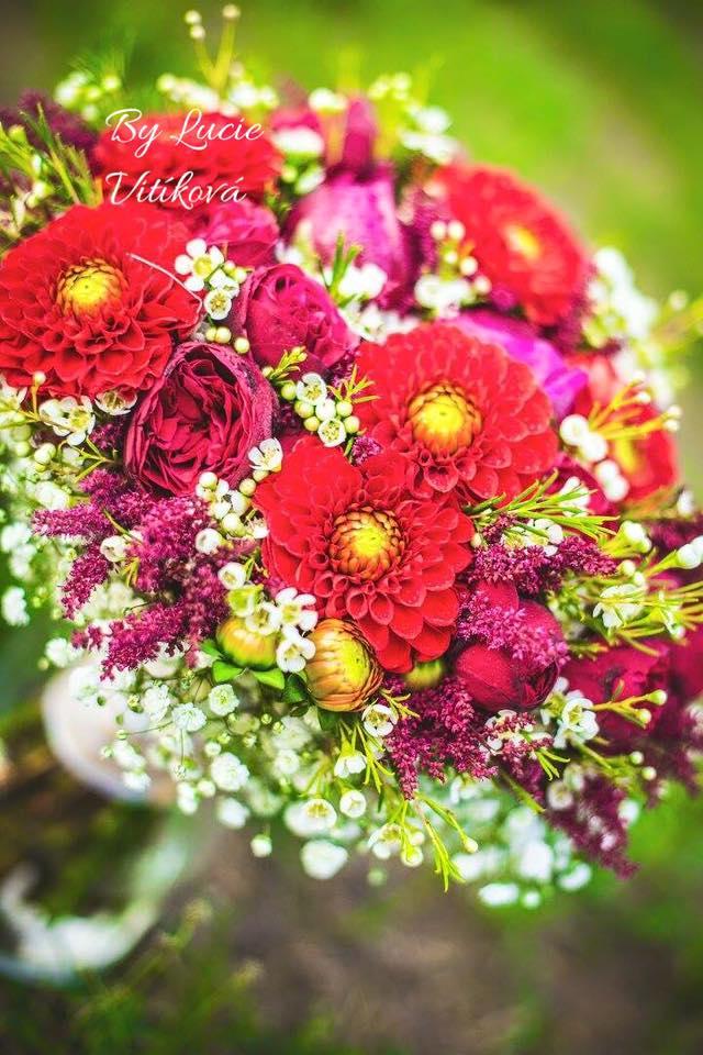 Červená svatební kytice - Obrázek č. 1