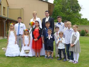 Všechny naše děti...na svatbě:-)