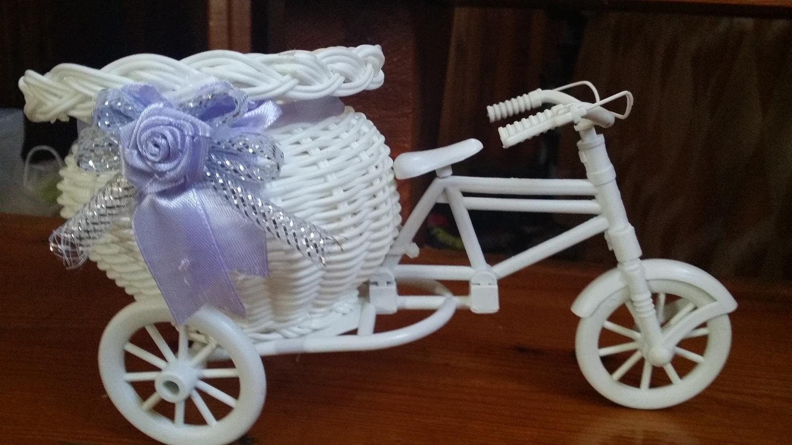 Stojan na kvety, vazu, sviecku, bicykel, trojkolka - Obrázok č. 3