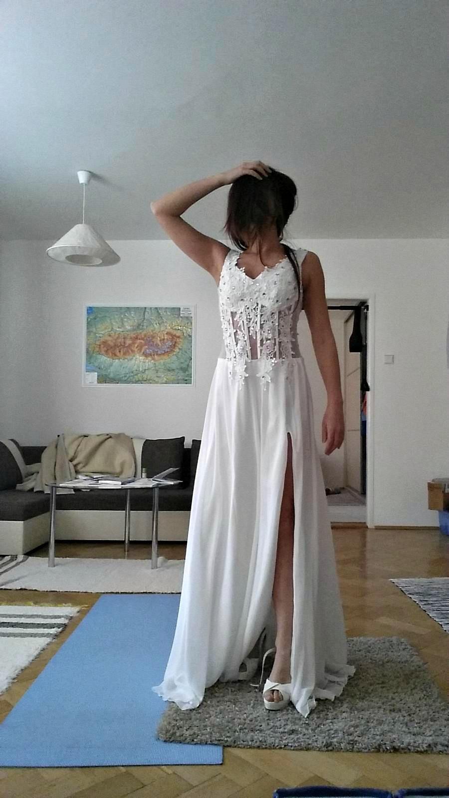 Svadobné, plesové alebo popolnočné biele dlhé šaty - Obrázok č. 1