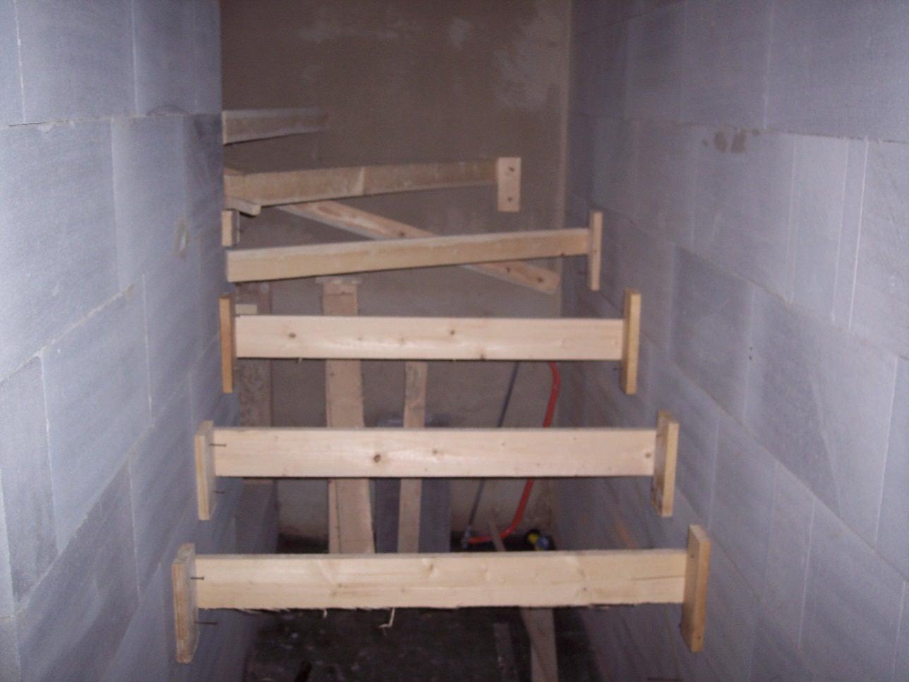 Můj domek svépomocí za 1,3 miliónu - Výstavba schodů. Maturita