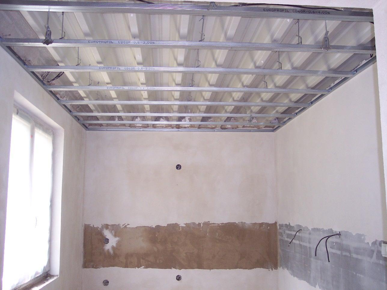 Můj domek svépomocí za 1,3 miliónu - Konstrukce pro sádrokarton v kuchyni.