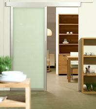na tento styl dvere z chodby do hlavnej casti - do kuchyne, ktora je spojena s obyvackou.. :)