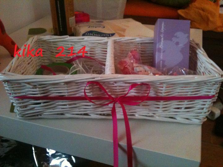 :) inšpirácie - Košík na pierka zakúpený, ozdobený ..a samozrejme aj moja svadobná vôňa.. :)