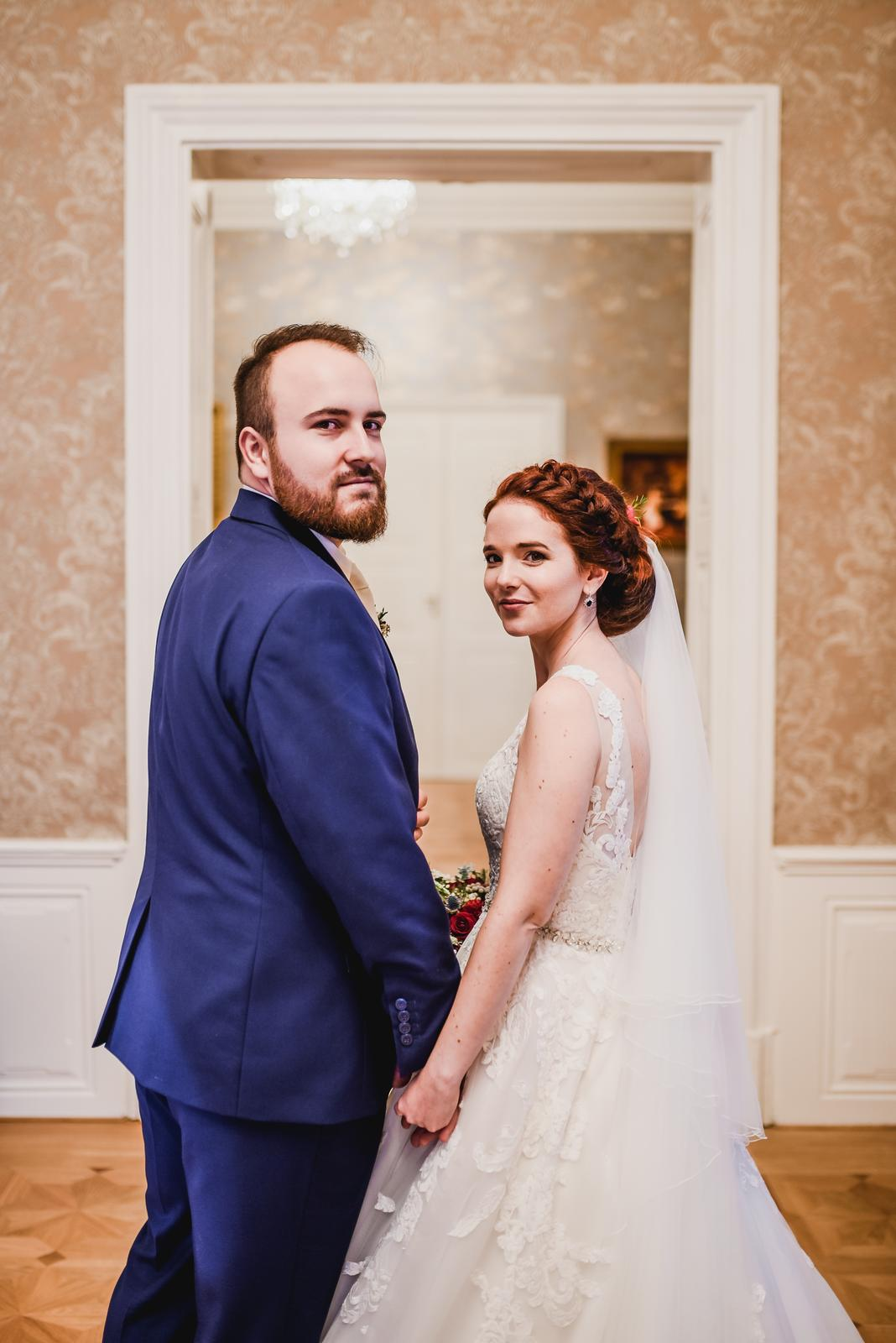 Marta{{_AND_}}Jirka - Dva roky po svatbě...stále spolu, stále šťastní. Sem tam se objeví nějaký mráček. Ale jak rychle se zjeví, tak i rychle zmizí.