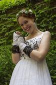 Svatební/plesové šaty vel. 36-38 s černou výšivkou, 37