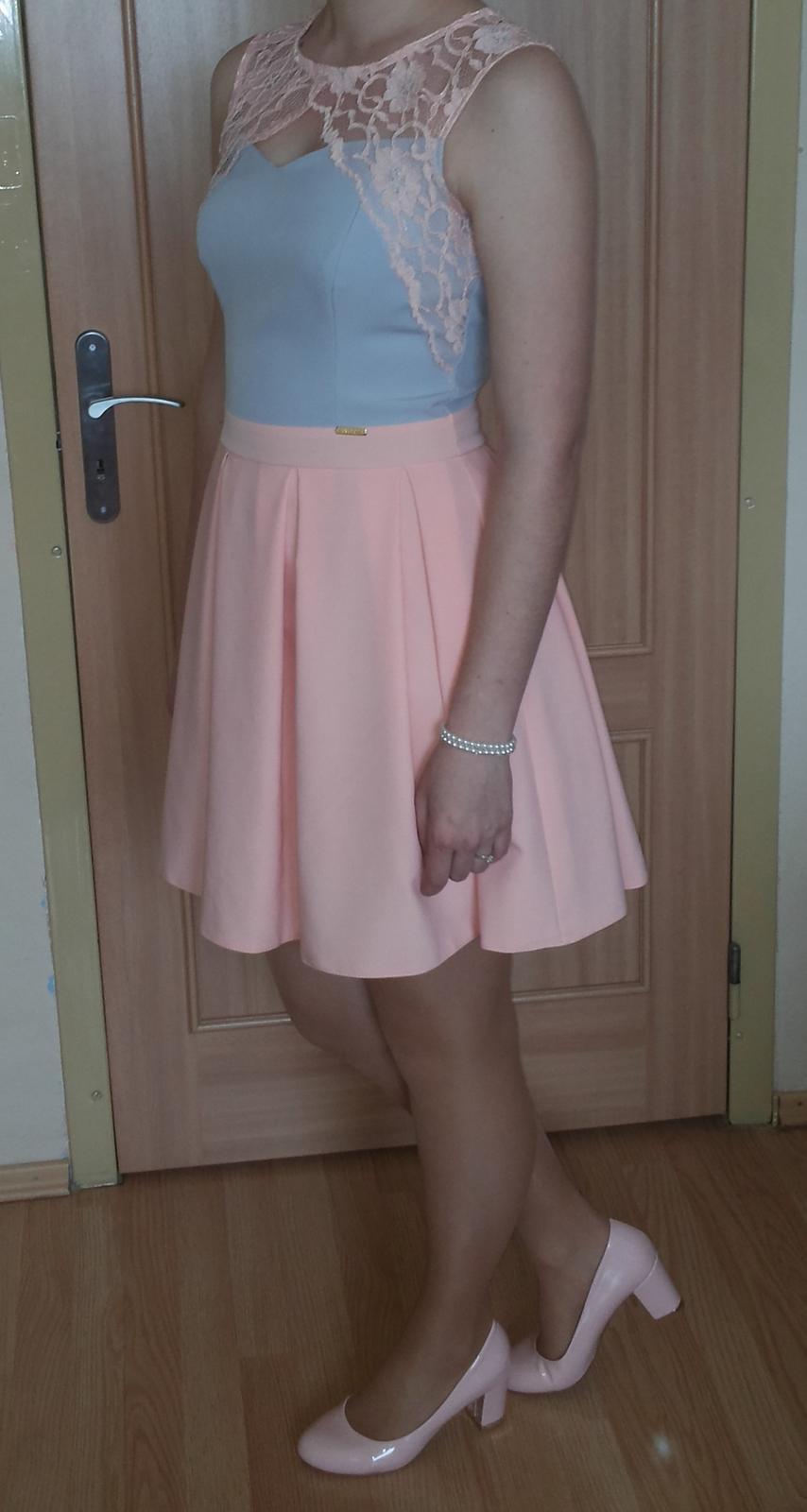 Ružovo- sivé šaty - Obrázok č. 1