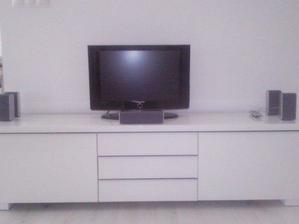 TV skrinka, ešte nedokončené..