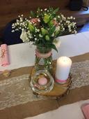 vázičky na kytky nebo svíčky,
