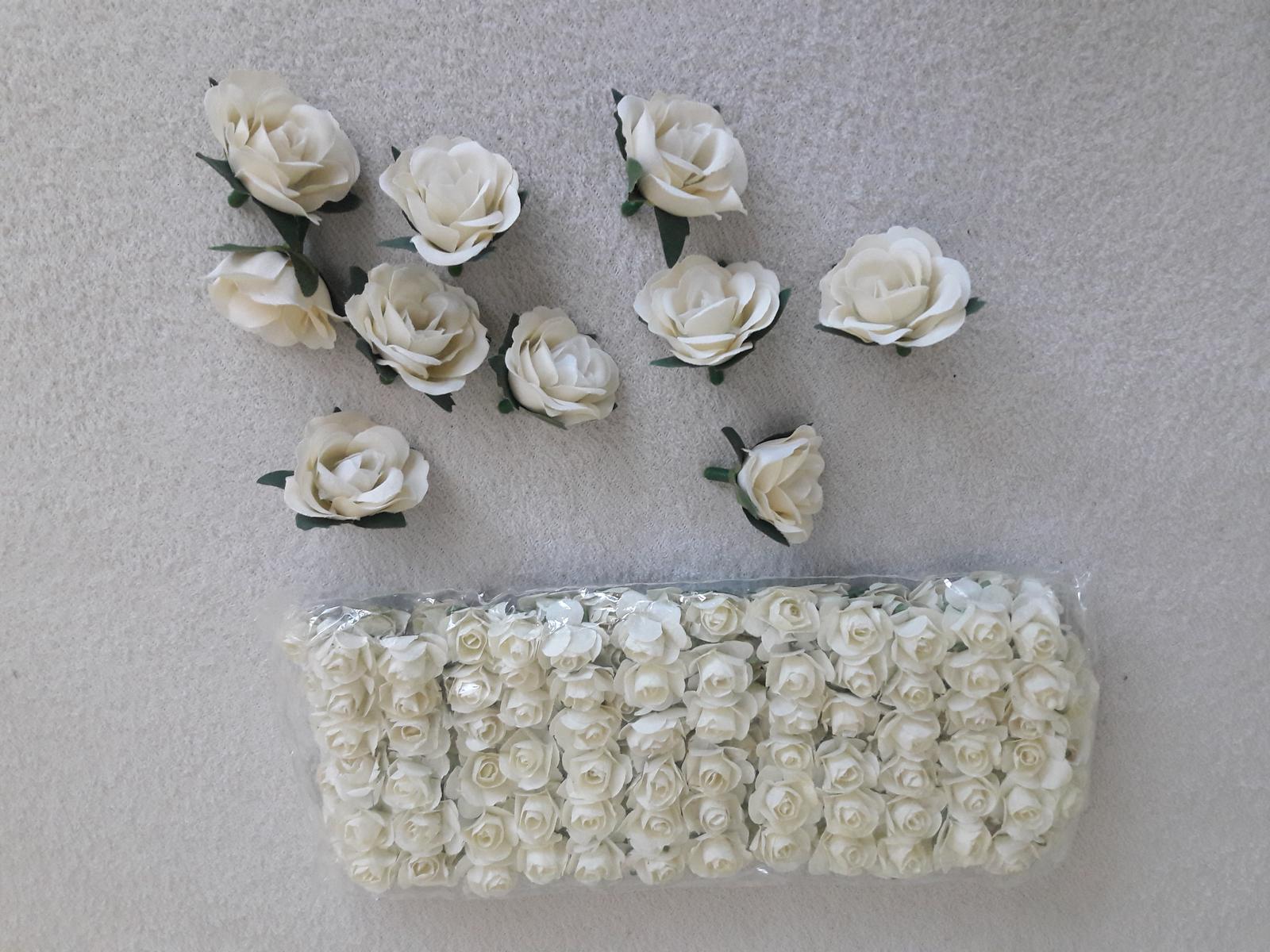 Růžičky na dekoraci - Obrázek č. 1