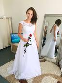 Svatební šaty s vlečkou , 38