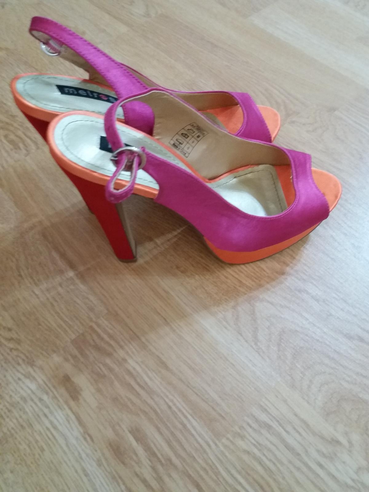 Společenské boty - jehly - Obrázek č. 1