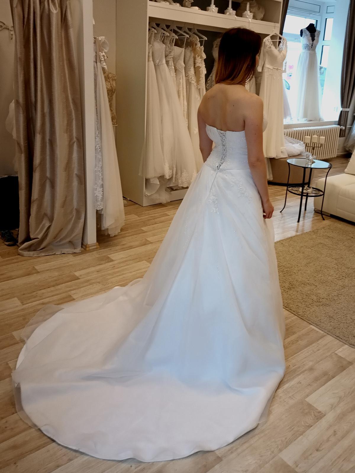 Svatební šaty 38, 40, 42 - Obrázek č. 1