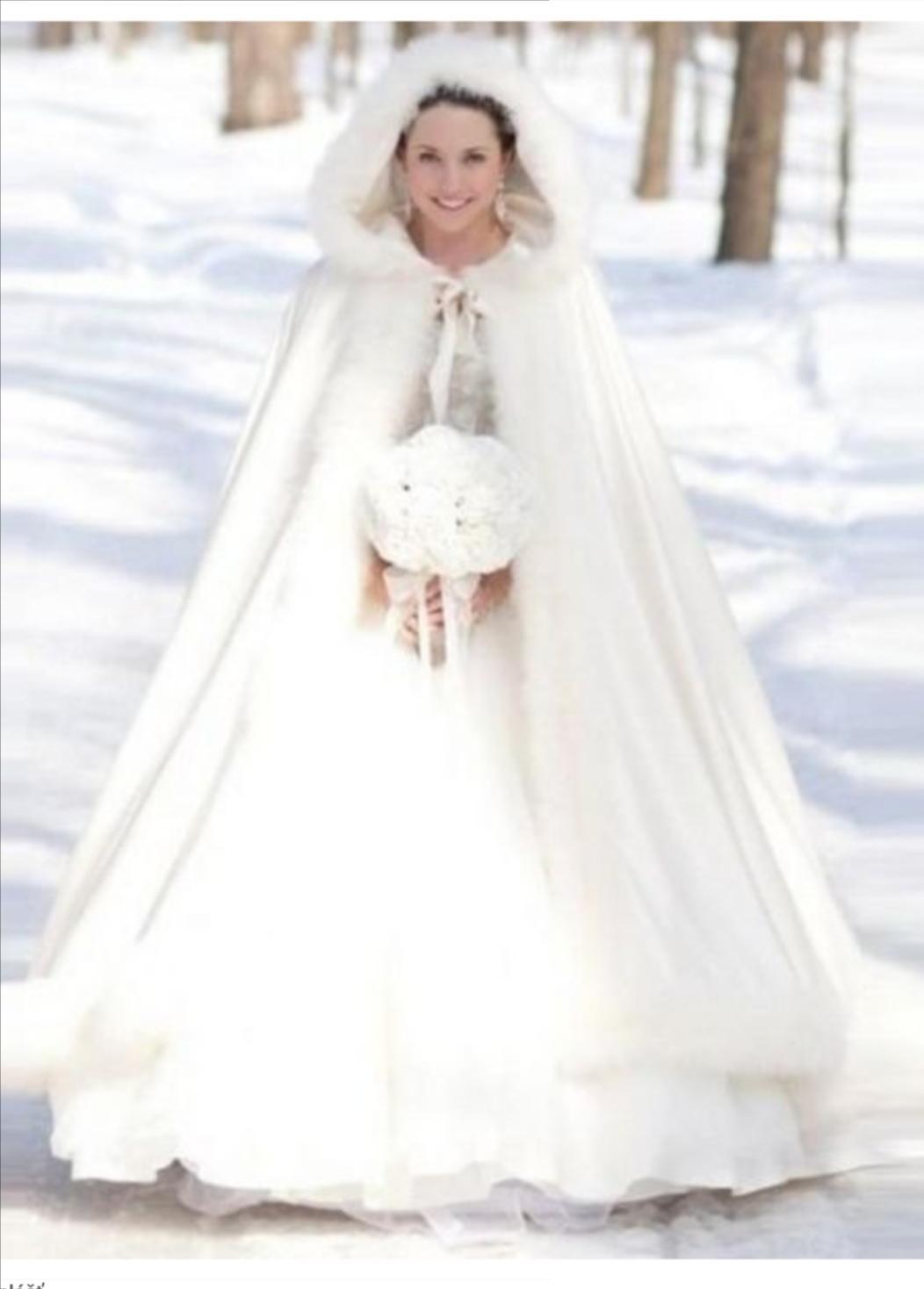 Biely plášť na zimnú svadbu :) - Obrázok č. 1