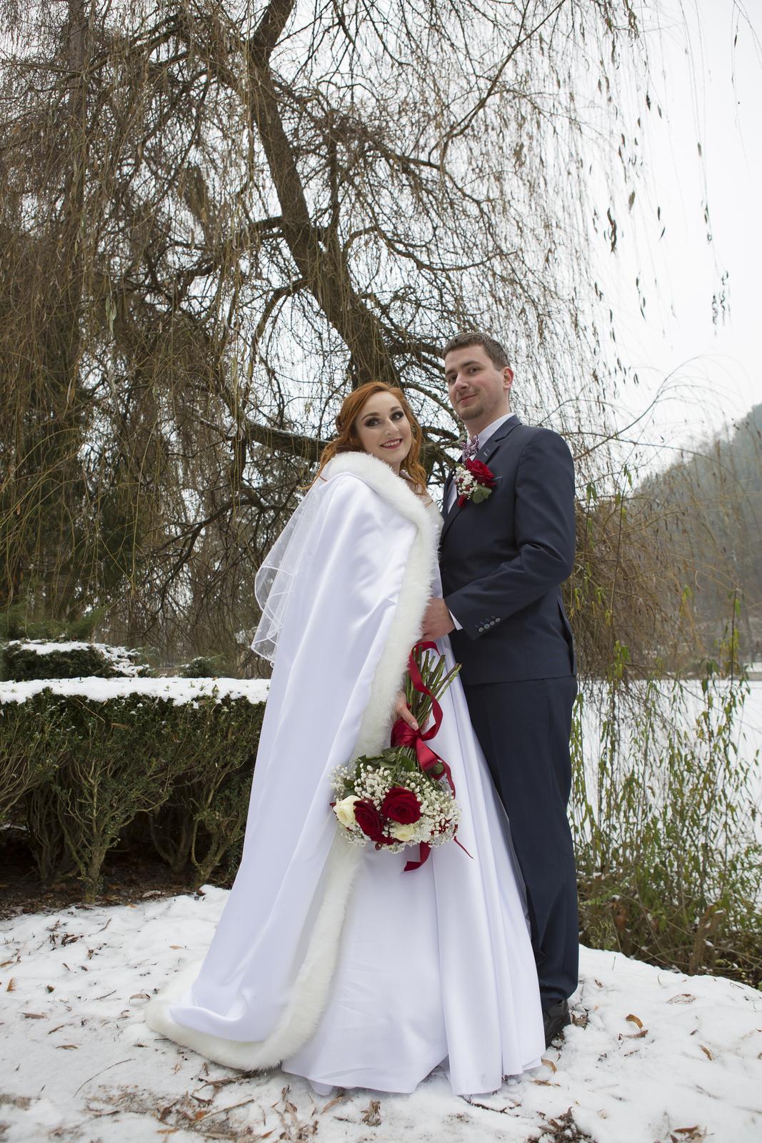 Biely plášť na zimnú svadbu :) - Obrázok č. 3
