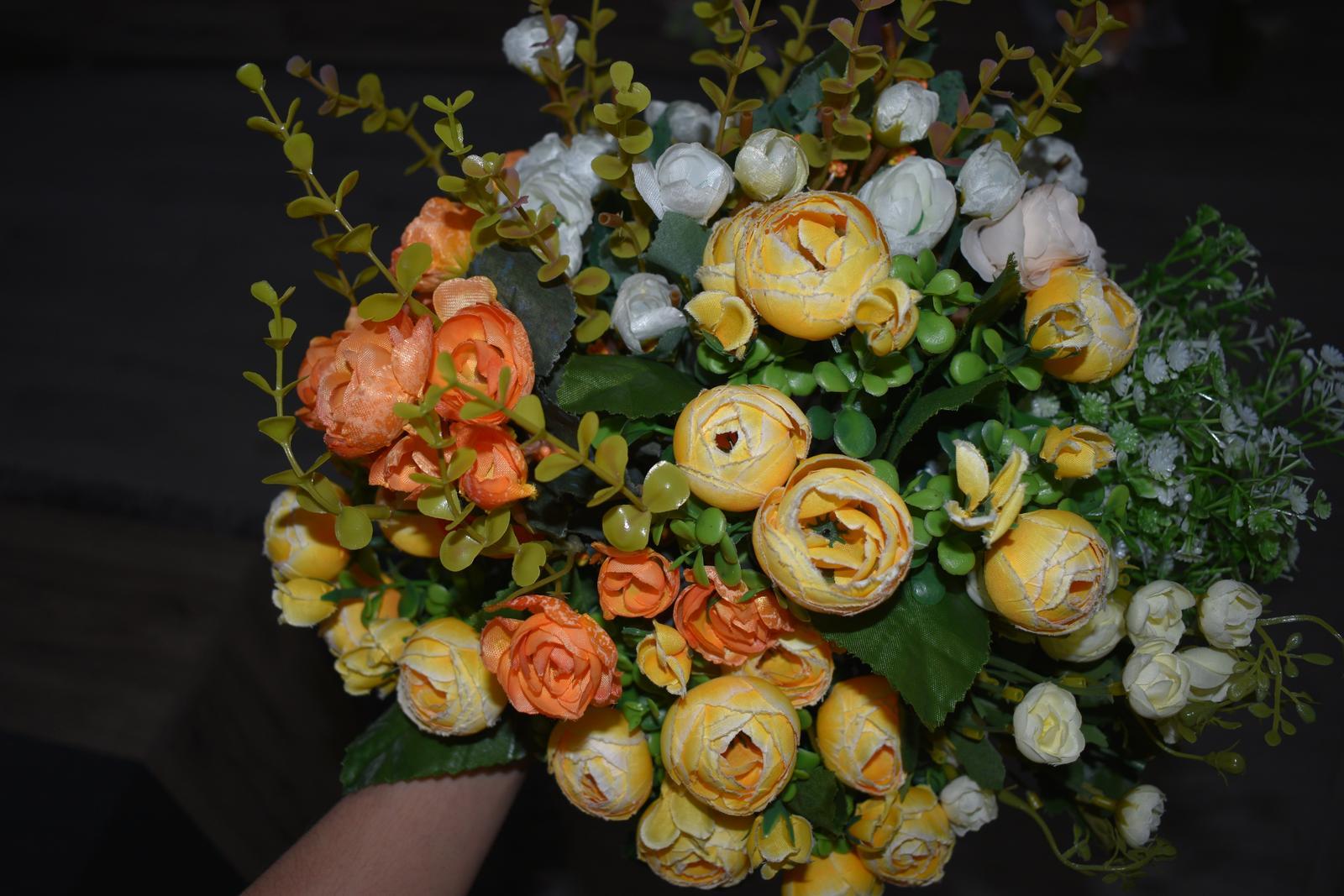 Umelé kvety - Obrázok č. 1