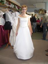 Vítězné španělské šaty z kolekce La Sposa s názvem Camilla