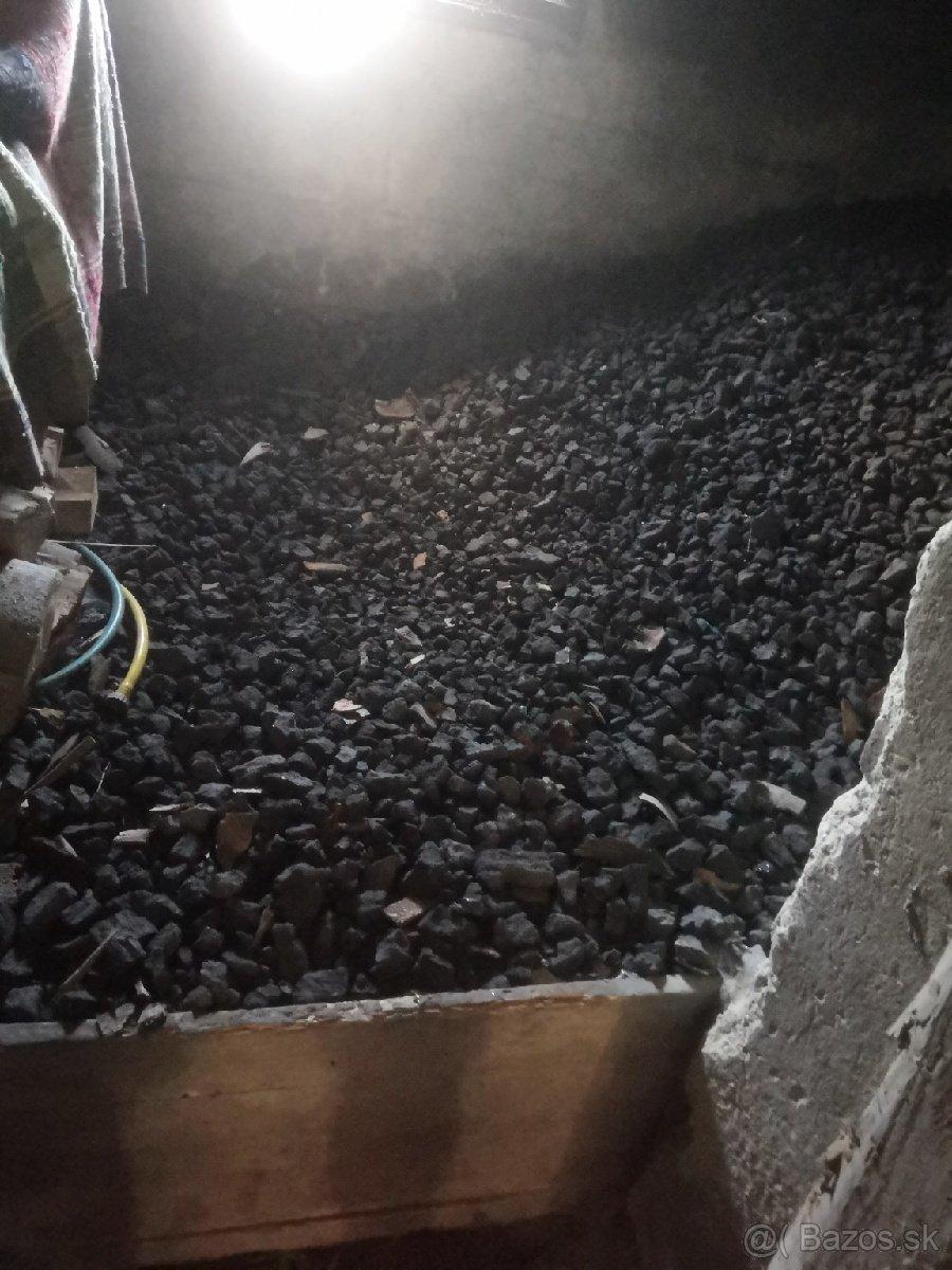 Predam cierne uhlie - Obrázok č. 1