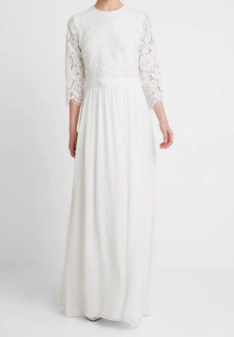Nenosené svadobné šaty - Obrázok č. 1