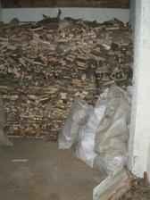 PO - vyklizeno, pořezáno dřevo