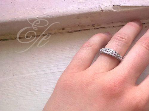 Herbert lidoop a spol..  4. 6. 2011 - můj zásnubní prstýnek