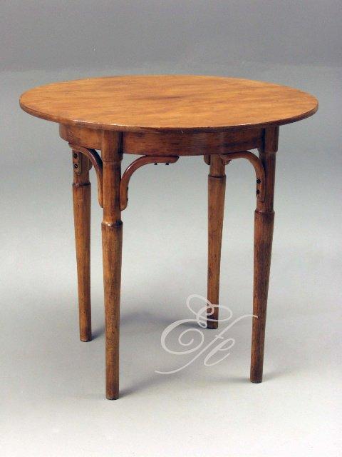 Herbert lidoop a spol..  4. 6. 2011 - chce to nějaký hezký oddávací stůl