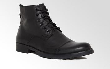 Favorit kubových bot, nejen k obleku .) Lakýrky na statek nikdy :)