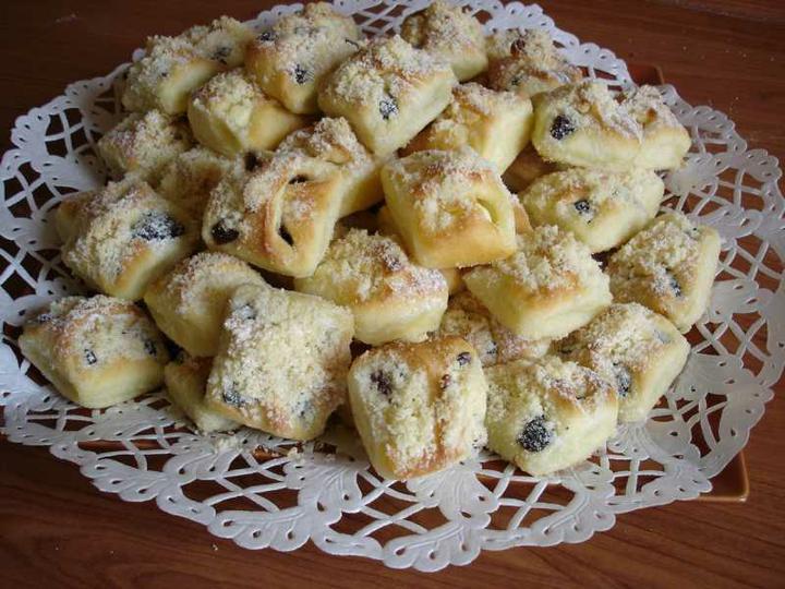 Co už je uděláno, co už je hotovo - objednány svatební koláče- jaké dělala moje prababička :)