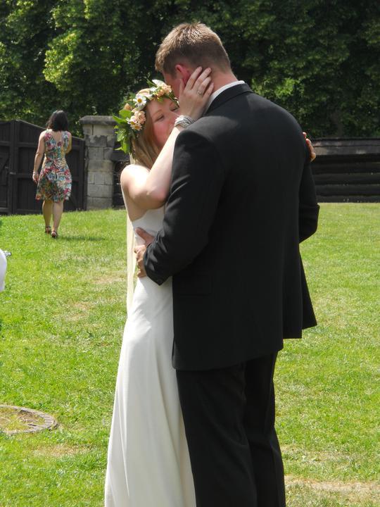 Co už je uděláno, co už je hotovo - novomanželský tanec v plánu nebyl a nakonec spontálně vyplynul :)