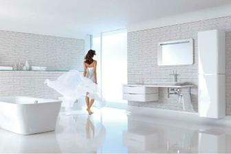 bílá koupelna - krásná, vzdušná, čistá