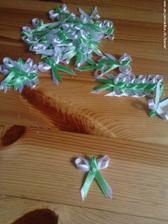 NA PREDAJ!!! pierka, slabo-zelenkavej farby...(vhodné na svadbu, alebo aj stužkovú)
