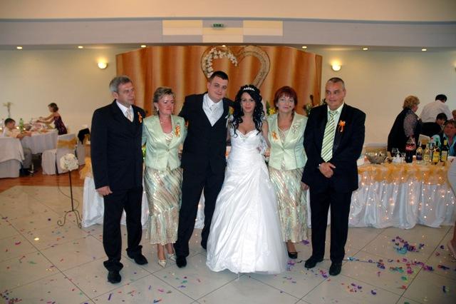 Daniela Vašková{{_AND_}}Dominik Szabó - s rodičmi