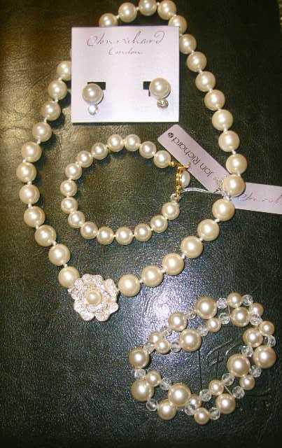 Čo už máme ;oD - perly na deň D, sú nádherné ;oD