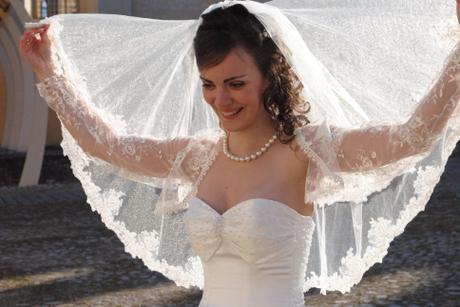 značkové ivory svadobné šaty - Obrázok č. 2