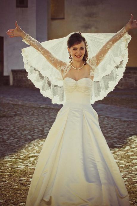 značkové ivory svadobné šaty - Obrázok č. 1