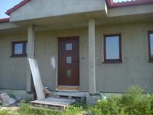 a máme už aj založené dvere namiesto OSB dosky
