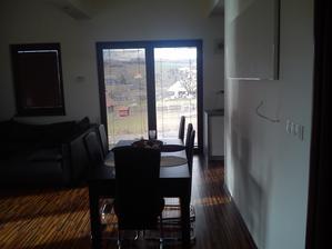 obývačka + jedálenský kút