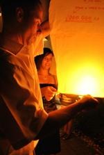 Muj svagrik moje sestricka svedkyne a jejich lampion prani :-)