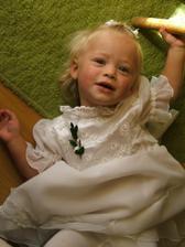 Naše družička - neteřinka Terinka - jen je o rok a půl starší :o)