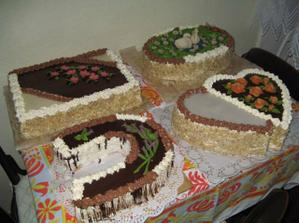 Téměř hotové dortíky...