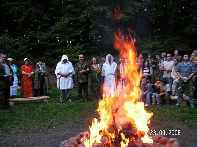 Lucia{{_AND_}}Patrik - slávnostná trampská vatra a spomienka na tých, ktorí už nemohli prísť...