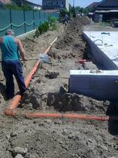 Kanalizácia až do domu :-)