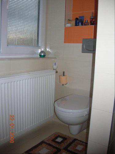 Premeny - WC za sprchovym kutom
